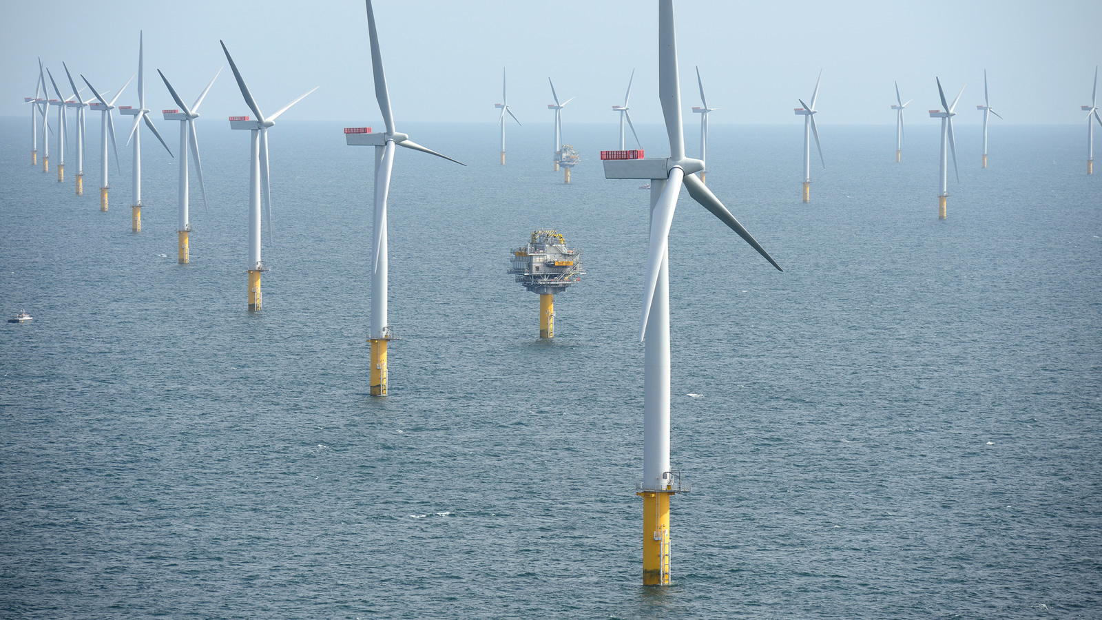 <h4>6 million</h4><h5>Approved offshore areas could power 6 million homes</h5><em>Sherringham Shoal Wind Farm, England / Harald Pettersen/Statoil CC BY 2.0</em>